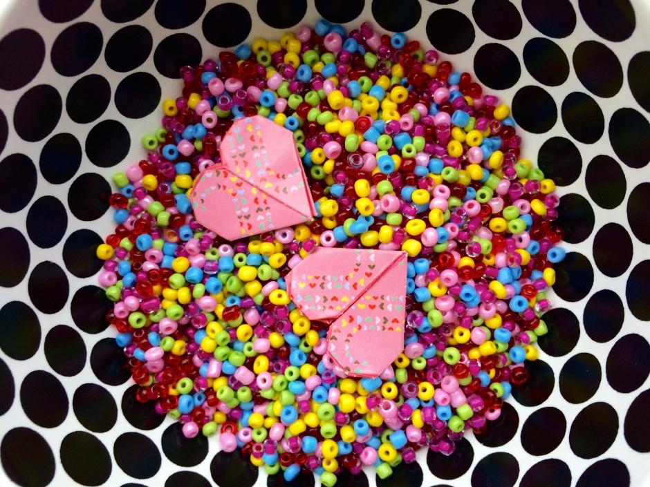 cuoricini origami e perline colorate