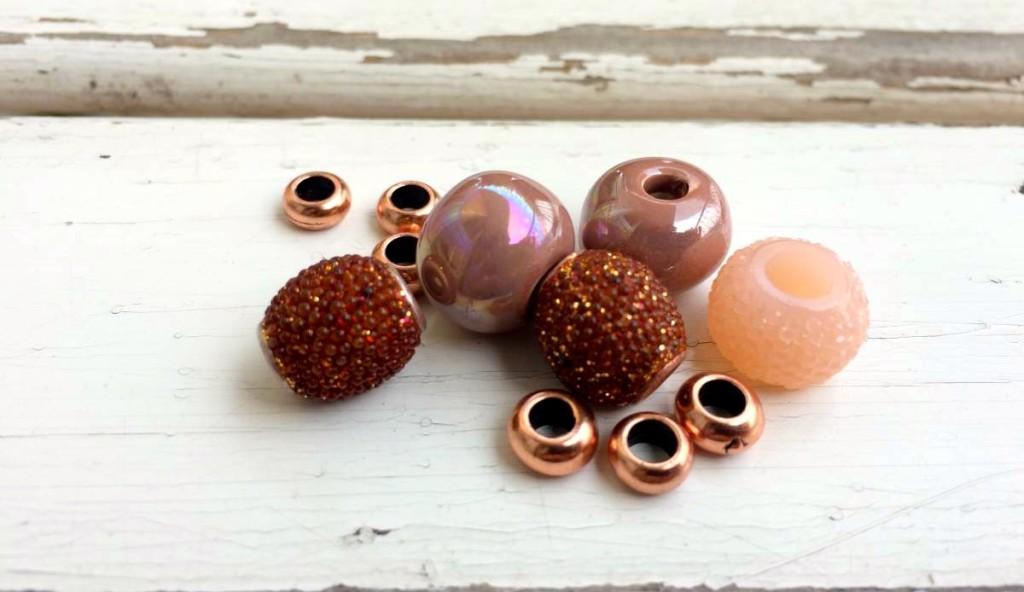 perle di rame, ceramica greca, resina