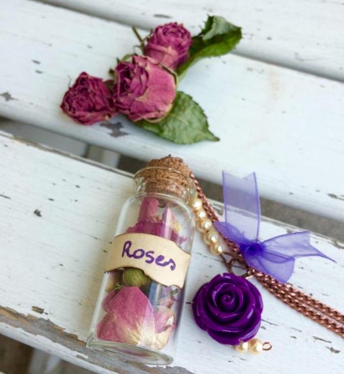 collana bottigla vetro rose secche