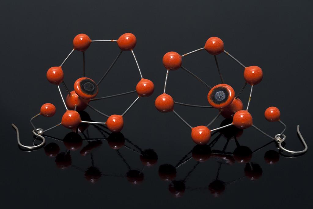 orecchini in ceramica molecole