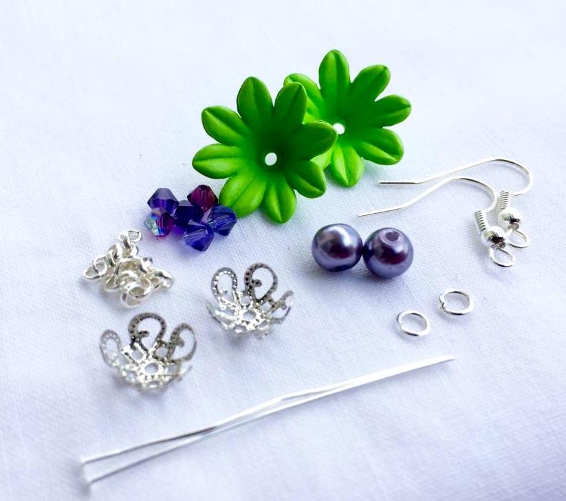 orecchini a forma di fiore: cosa serve