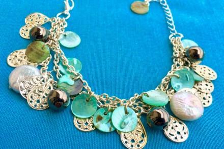 bracciale etnico: riciclo di bijoux e dintorni