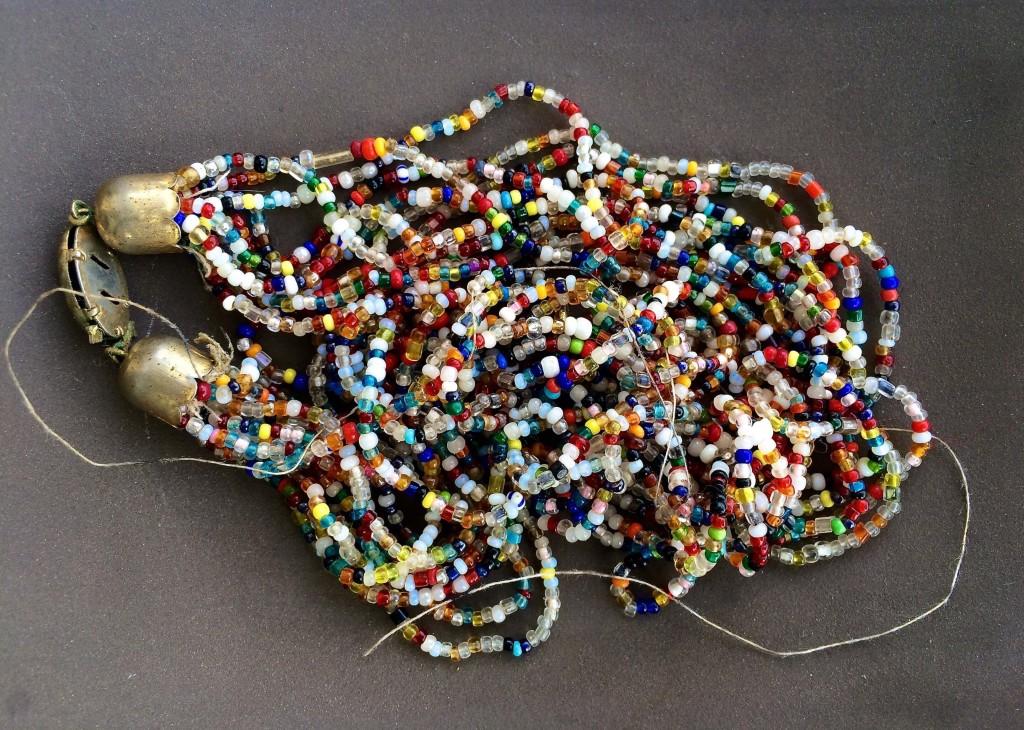 collana di conteria vintage per ricliclo creativo