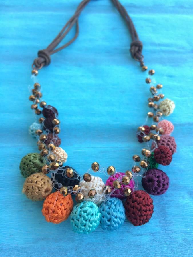 collana all'unicinetto con perle di cotone di bijoux e dintorni