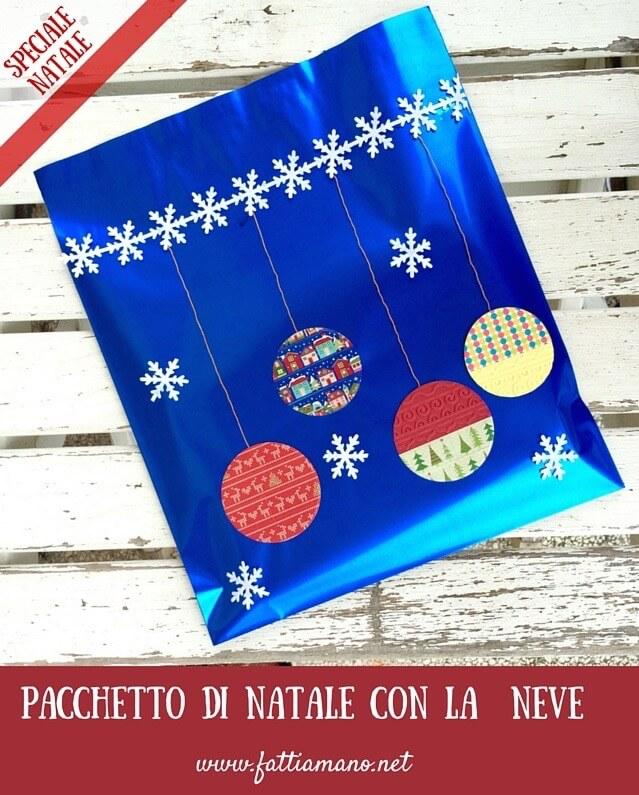 pacchetto di Natale originale con la neve