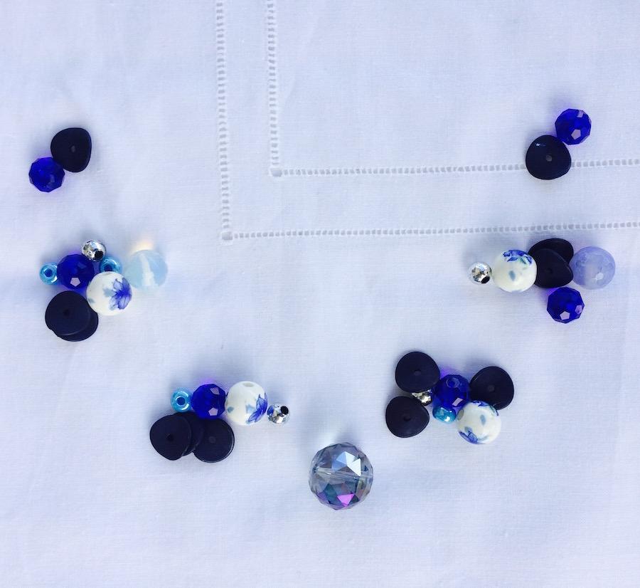 come suddividere le perline per la collana in corda