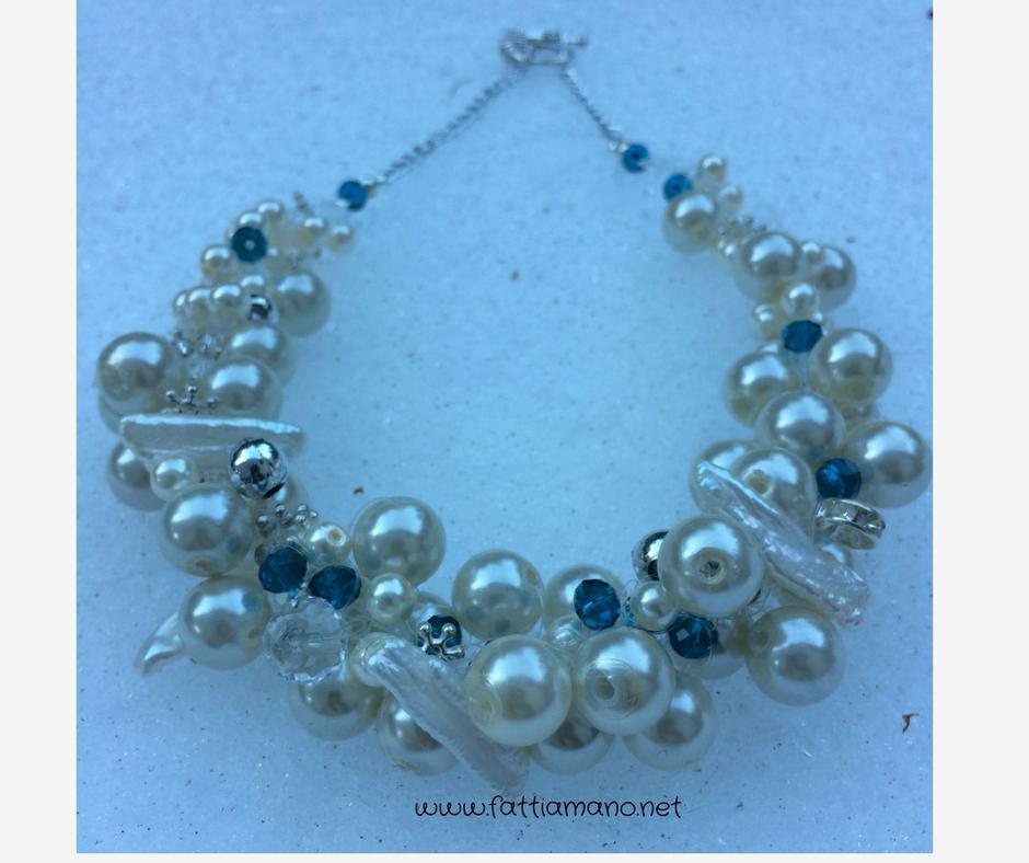collana crochet con perline per il Natale