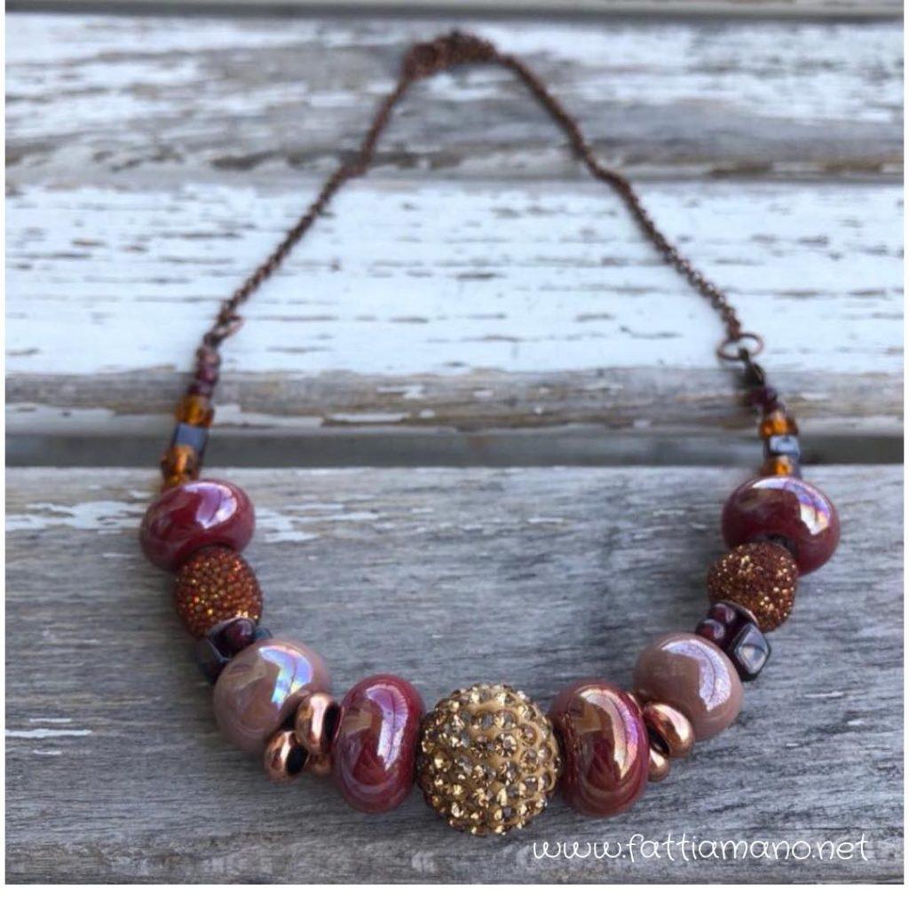 collana fatta a mano con perle di Mykonos