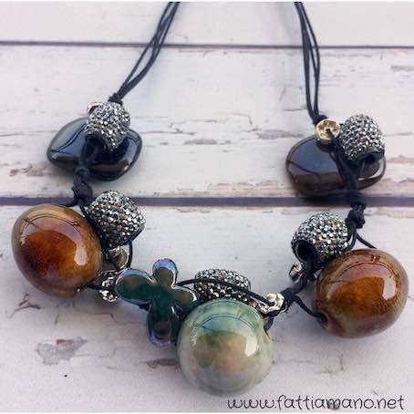 come fare una collana a più fili con cordino cerato e perle